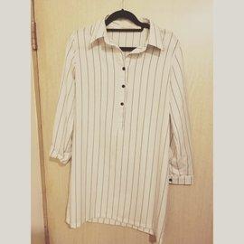白色直條紋長版襯衫,可當洋裝