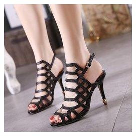 高跟鏤空涼鞋女性感高跟細跟露趾一字扣帶磨砂涼鞋女
