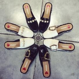 2017 春 英倫風復古金屬珍珠粗跟半拖鞋中跟包頭涼鞋女