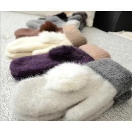 sale 會  ! 羊毛保暖手套 帶兔毛球雙層加厚保暖連指手套 119元
