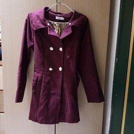 转卖EYESCREAM酒红色毛呢双排扣蝴蝶结绑带保暖外套大衣M号