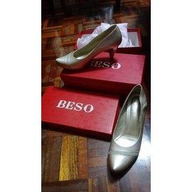 Beso鞋 私人賣場~關~蕙