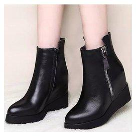 秋鼕季中跟中靴真皮平底內增高女靴子中筒靴女 英倫風馬丁靴潮