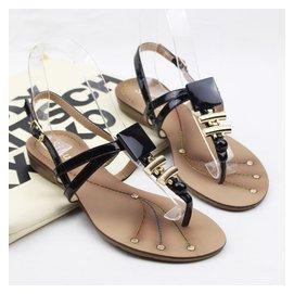 舒適夾腳涼鞋低跟金屬裝飾上班鞋柳釘細帶防滑底女鞋