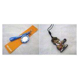 OKWAP (相框镜子手机吊饰)+LG手机吊饰 二款合售50元