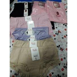Vivian Chu 塑三角M2件,修飾褲M2件,內褲M6件