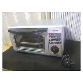 Z 故障品~TOSHIBA 東芝 9公升 電烤箱 HTR~1150GN   貨   11