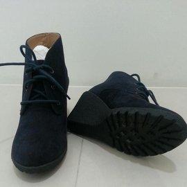 HERLS 皇家藍絨面械型踝靴