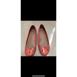 搬家賠錢賣zara專櫃漆皮亮粉橘粗跟低跟娃娃鞋