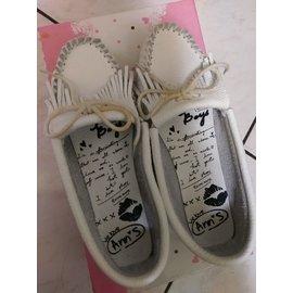 ANN'S白鞋