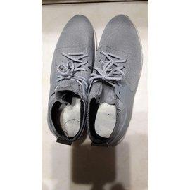 灰色男布鞋
