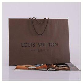 專櫃 正品LV紙袋/BV/CHANEL山茶花/ CUGGI 長夾雕花盒 / agnes b.提袋 禮物包裝、交換、抽獎