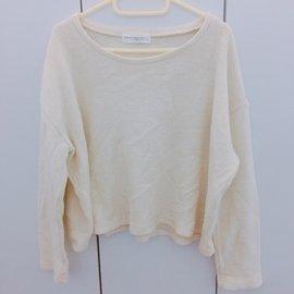 米白圓領連袖橫紋短版針織毛衣