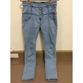 淺藍高腰刷白排釦牛仔褲 UF188