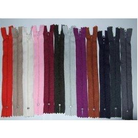 特價拼布拉鍊60;每條24元(每組單色單尺寸3條72元)YKK3號尼龍拉鍊適用於製作被單/枕頭/抱枕/拼布包
