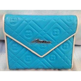 真皮亮藍壓紋女用短夾 三折短夾 可放大鈔 證件 信用卡