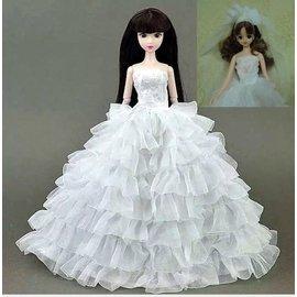 喜洋洋園地 芭比娃娃衣服 8層婚紗禮服 贈頭紗、鞋 芭禮58 莉佳娃娃 餅乾 巧克力